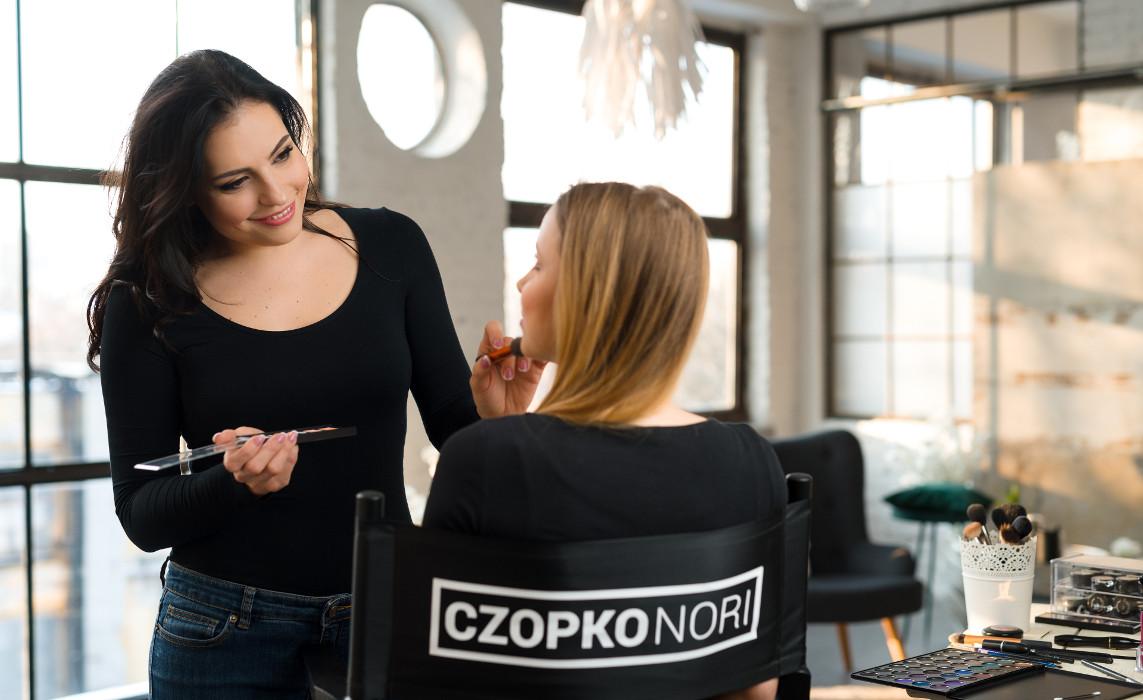 Czopkó Nóri - sminkes